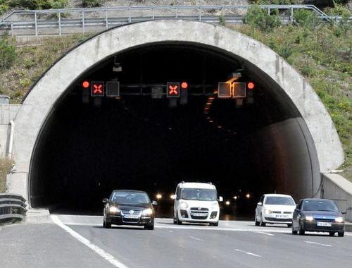 bolu-dagi-tunelinin-istanbul-yonu-14-gun-kapaniyor-h1475909588-d33e37.jpg